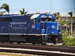 Trem de carga atinge pedestre em Deerfield Beach