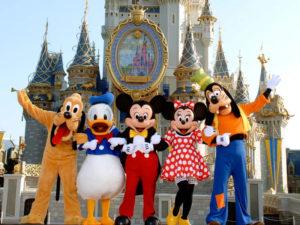 Funcionários da Disney acusam turistas de assédio e agressão