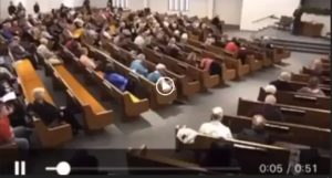 Tiroteio deixa 2 mortos em Igreja do Texas. Ataque foi transmitido ao vivo