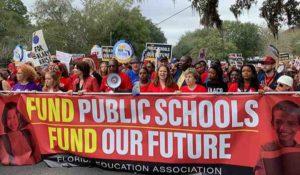 Com baixo investimento em educação pública, Flórida luta para melhorar sistema de ensino