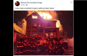 Bombeiros estão sob investigação após postarem selfie na frente de casa em chamas