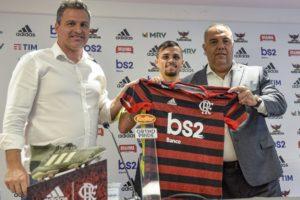 "Michael chega ao Flamengo e promete ""futebol raiz"""