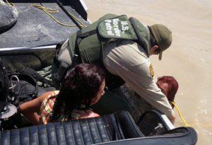 Brasileiros relatam a realidade após travessia ilegal pelo México até a deportação