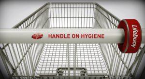 Testes mostram resultados alarmantes de bactérias nas alças de carrinhos de supermercados