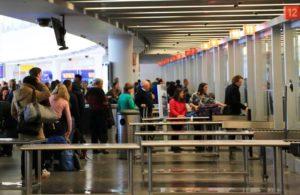 CDC emite alerta de viagens para residentes de Nova York, Nova Jersey e Connecticut