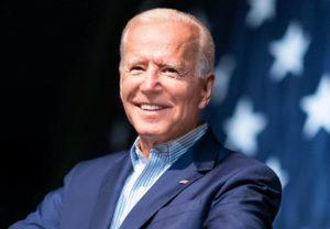 Joe Biden e Bernie Sanders seguem na disputa pela vaga Democrata