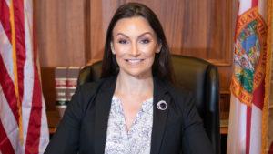 Comissioner da Flórida pede ao governador que decrete quarentena obrigatória